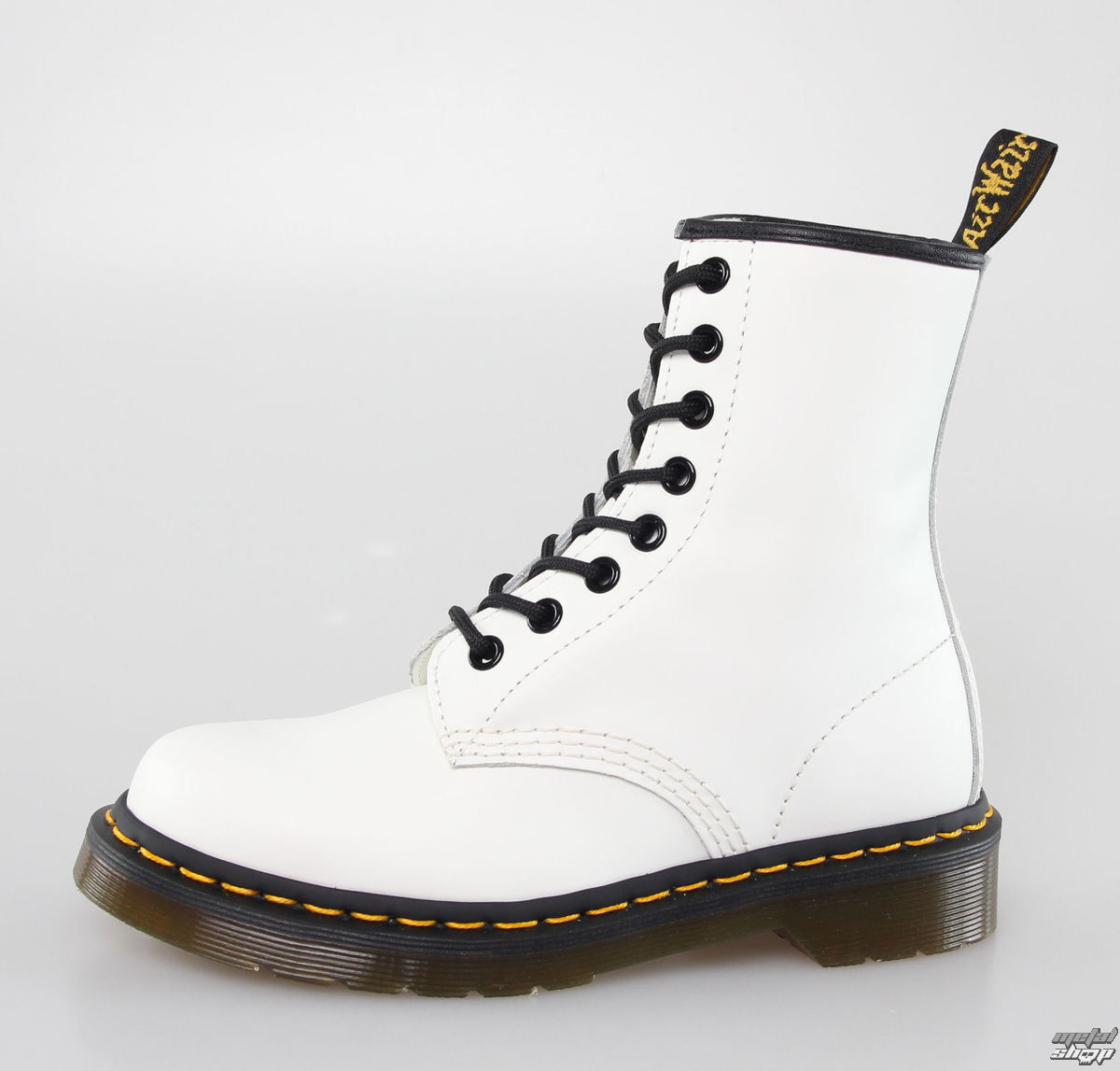 46826277f63 chaussures DR. MARTENS - 8 trous - 1460 - BLANC SMOOTH - metalmonde.fr